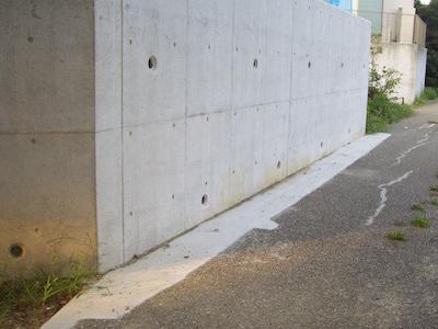 擁壁水抜穴