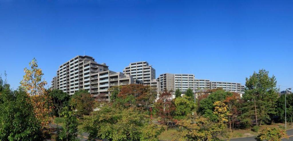 建築年の古いマンションが建て替え費用なしに今後新しいマンションに建て替わるかも?